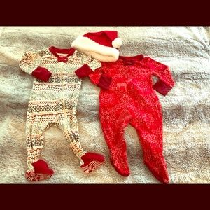 Like New - 0-3 month Christmas Pajamas with hat